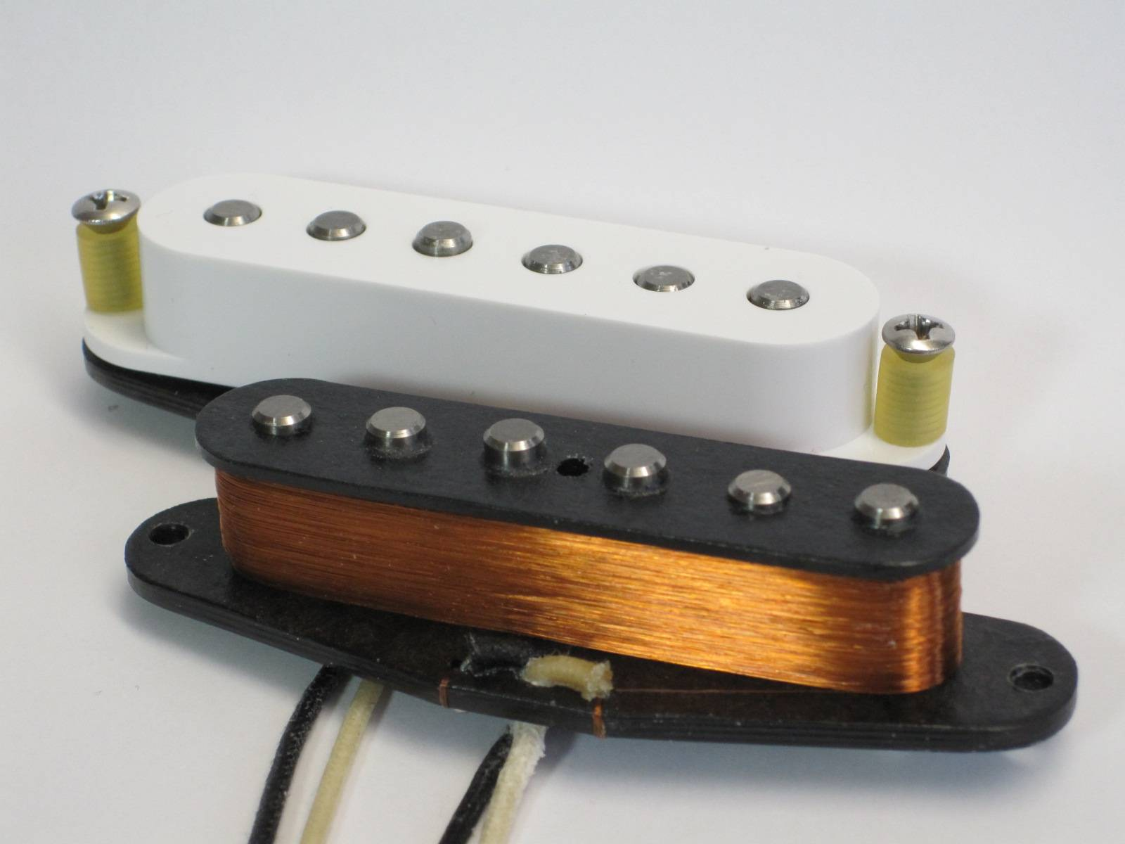 Amber Pickups - Surf-Style